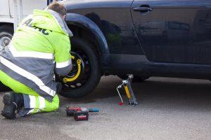 flat-tire-76563_960_720